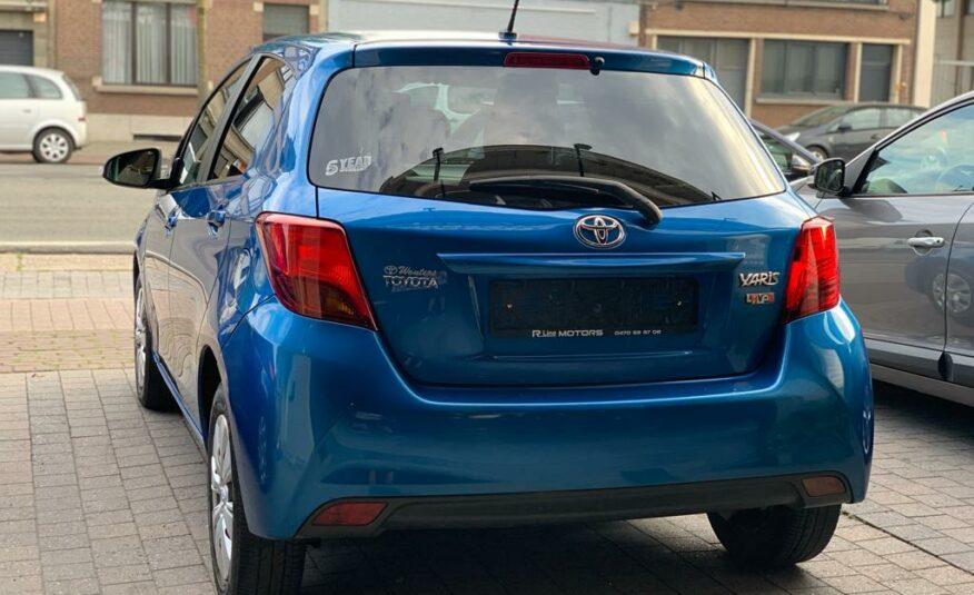 Toyota Yaris 1.3 Airco/Usb/Bluetooth/6 Versnellingen
