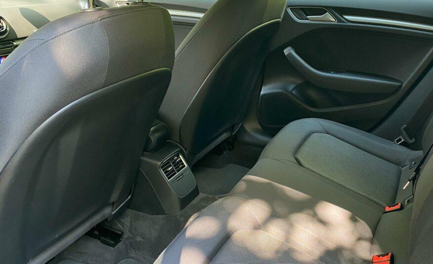 Audi A3 1.6TDI S-Line Automaat *Xenon* *38900km*