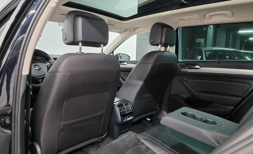 Volkswagen Passat 1.4 TSI R-Line *Pano* *Keyless Go* *Camera